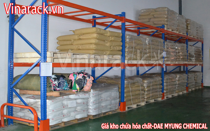 Standard pallet racking warehouse design